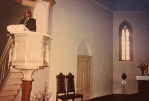 Johannes Wehl während einer Predigt in Stolp